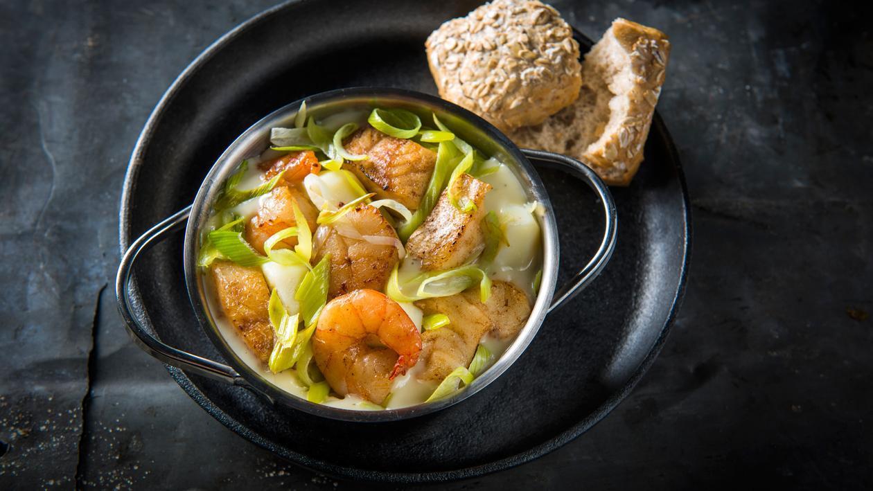 Cocotte du pêcheur aux poireaux et aux noix de Saint-Jacques – Recette