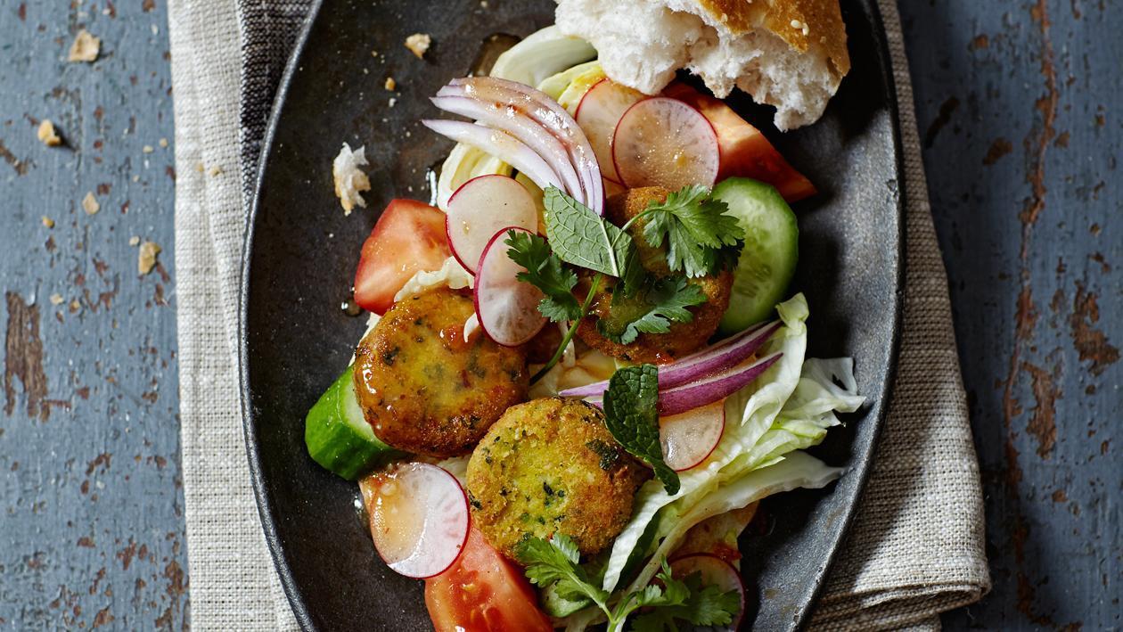 Falafel à la coriandre et à la menthe et sauce à l'ail – Recette