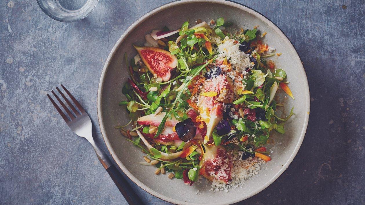 Figues, laitue amère et parmesan – Recette