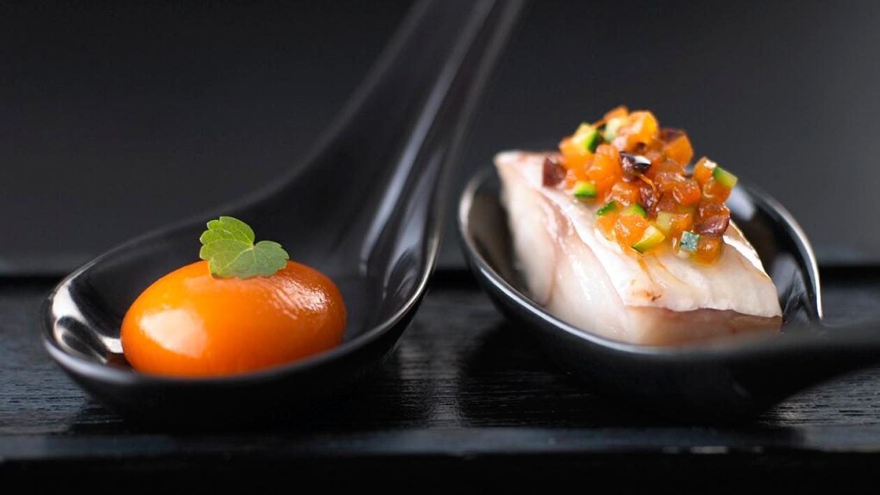 Ravioli de poivron rouge, grondin perlon et légumes marinés – Recette