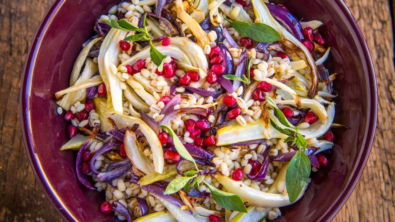 Salade d'orge perlé, fenouil et grenade – Recette