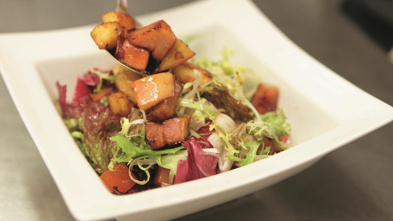 Salade mixte aux pommes et lard de tirlemont – Recette