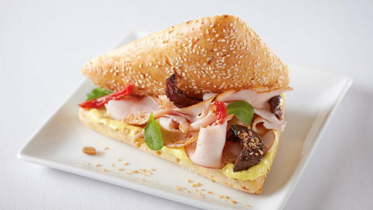 Sandwich Marrakech poulet fumé et curry – Recette