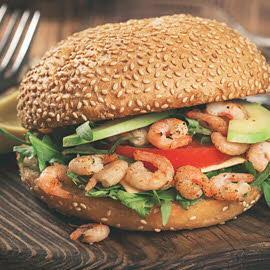 Hamburger de crevettes et fèves blanches