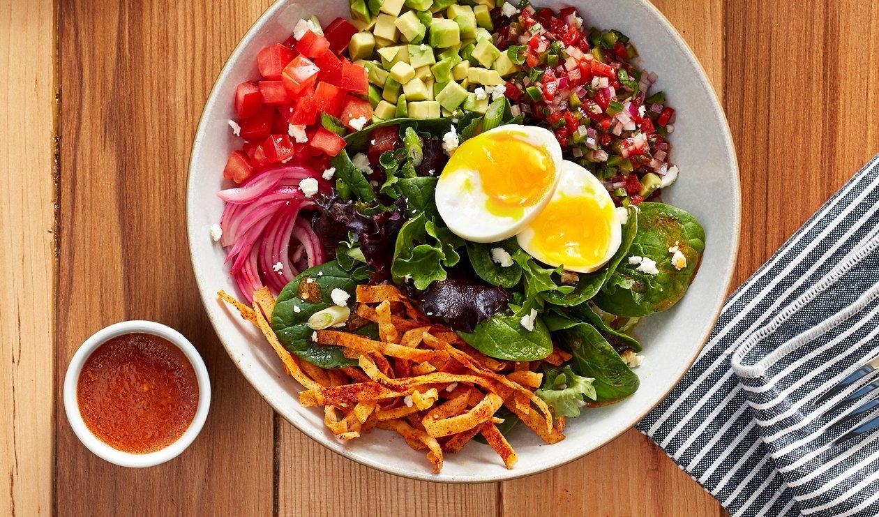 Bol de Salade Huevos Rancheros – recette