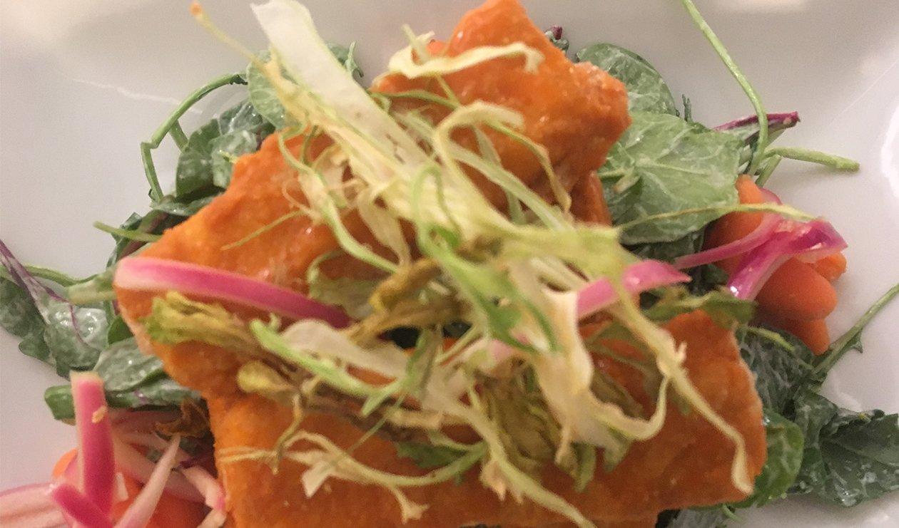 Buffalo Mahi Mahi Ranch Salad – recette