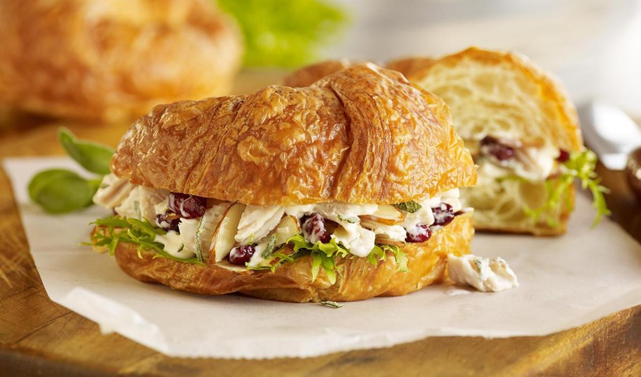 Croissant Champion à la Salade de Poulet – recette