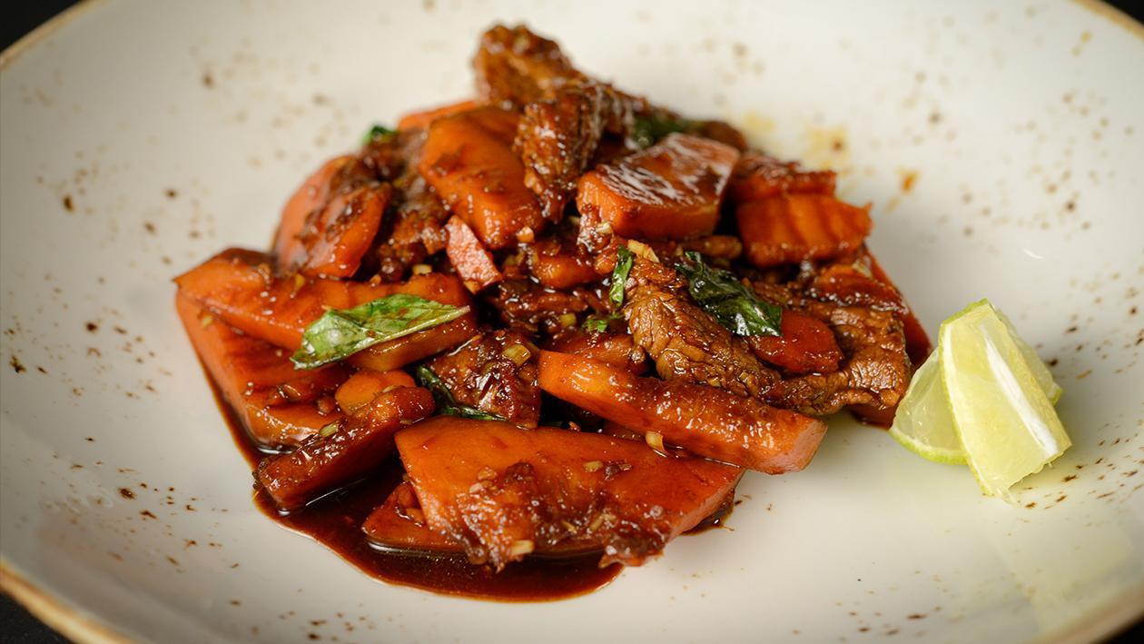 Kabocha et Bœuf Sautés au Basilic Thaï – recette