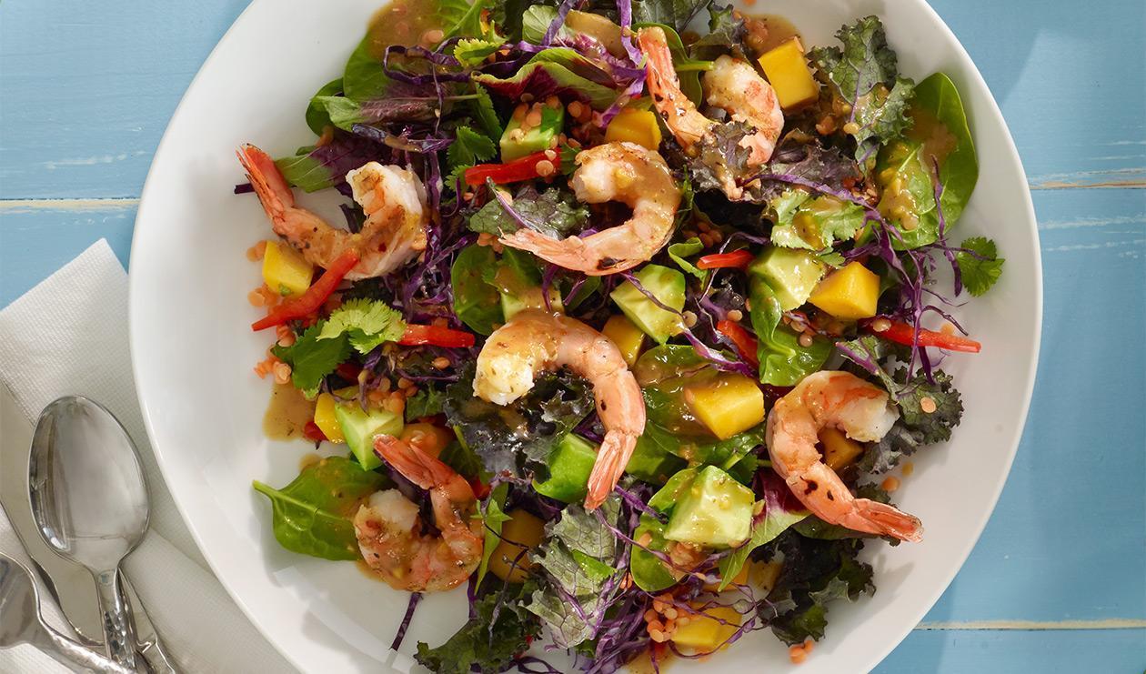 Salade à la caribéenne jerk et crevettes – recette