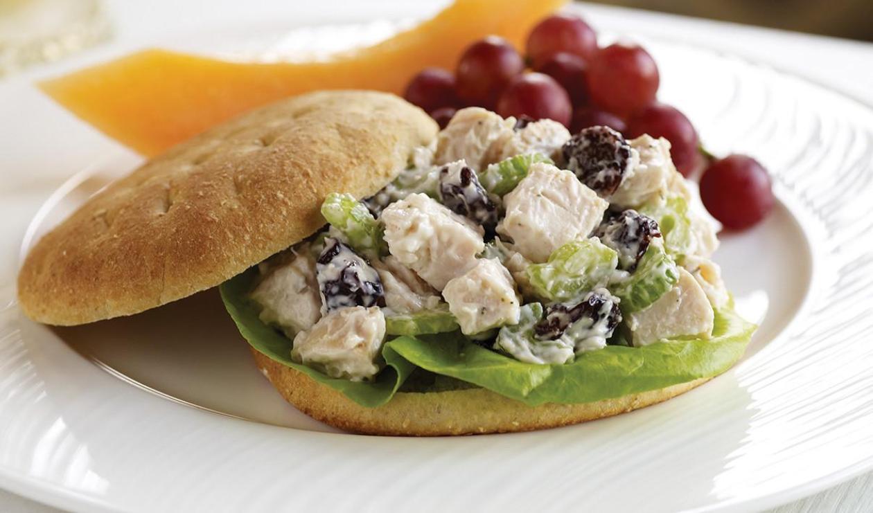 Sandwich « allégé » à la salade de poulet – recette