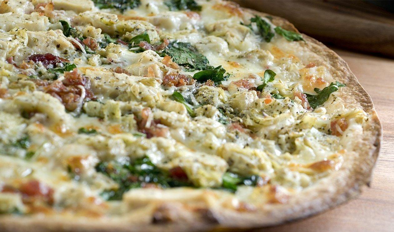 Spinach, Artichoke and Bacon Pizza – recette