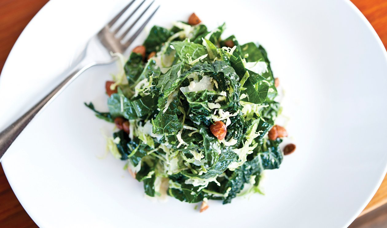 Winter Greens with Walnuts and Citrus – recette