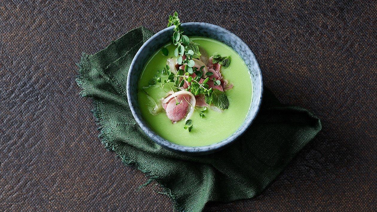 Crème aux pois verts et jarret de porc