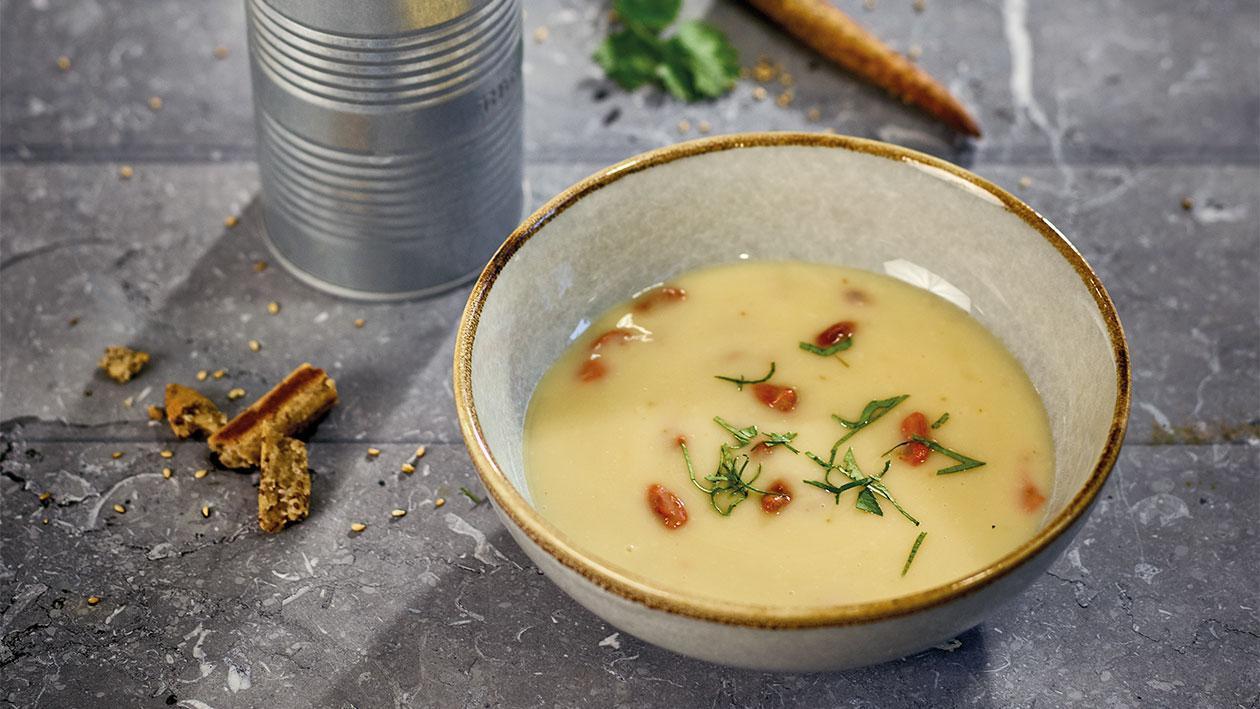 Crème d'asperges avec baies de Goji