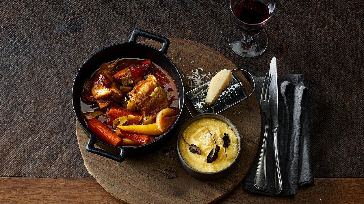Ragoût de lapin avec polenta et légumes