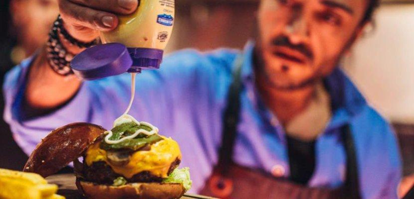 Hellmann's Real Mayonnaise flacon souple 430ml - La marque de mayonnaise N°1 dans le monde*