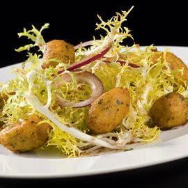 Bouchées Parmentiere lardon/oignon & Salade de pissenlit