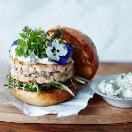 Burger de saumon gourmet