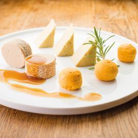 Epaule d'Agneau au Miel, Curry et Ail, Mirepoix et Flageolets au Jus (Manger-Main)
