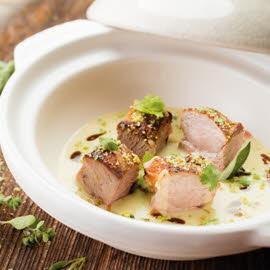 Mijoté de porc et pomme de terre au wasabi, condiment cresson