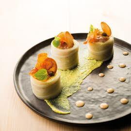 Tartare de dorade et radis noir, comme un maki, sauce soja