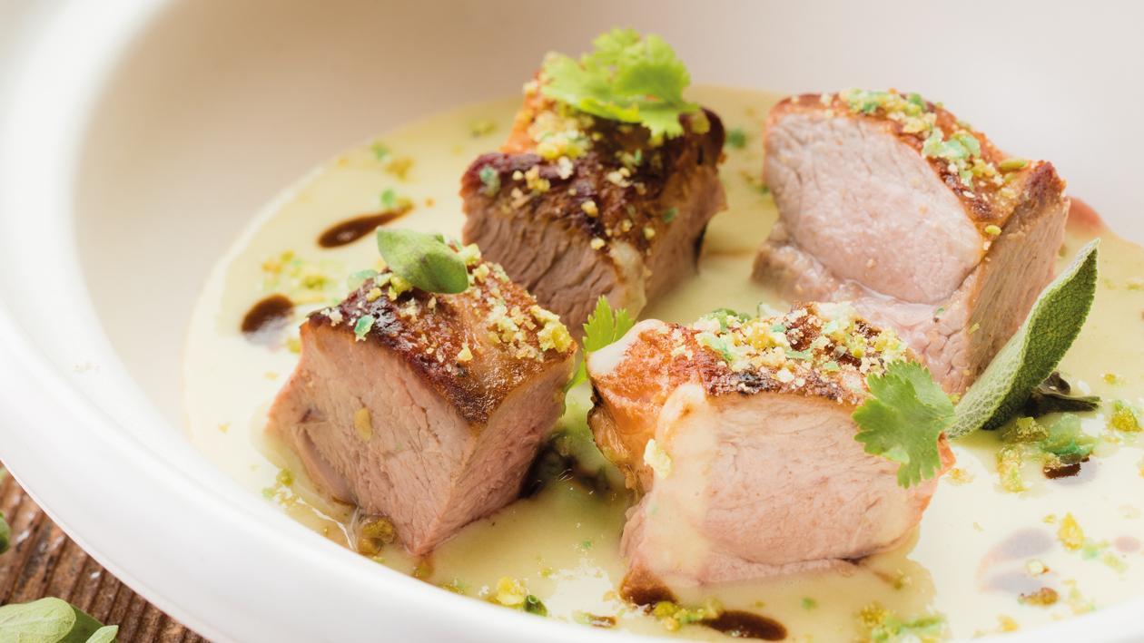Mijoté de porc et pomme de terre au wasabi, condiment cresson – Recette