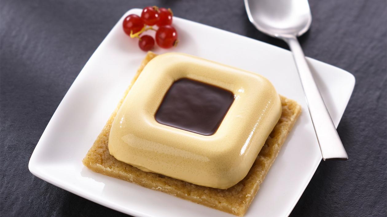 Palet tout en crumble, caramel au beurre salé et sauce chocolat – Recette