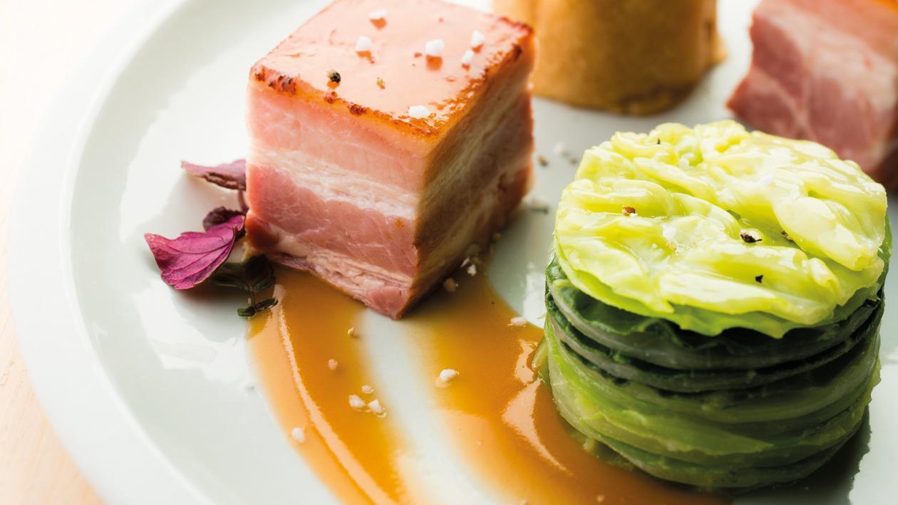 Poitrine de porc, écrasé de pommes de terre, huîtres et pieds de porc – Recette