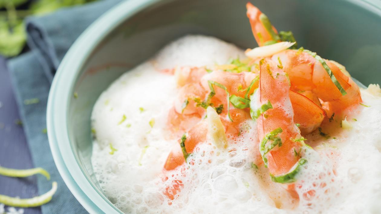 Ragoût de gambas, panais et bouillon à la citronnelle et coco – Recette