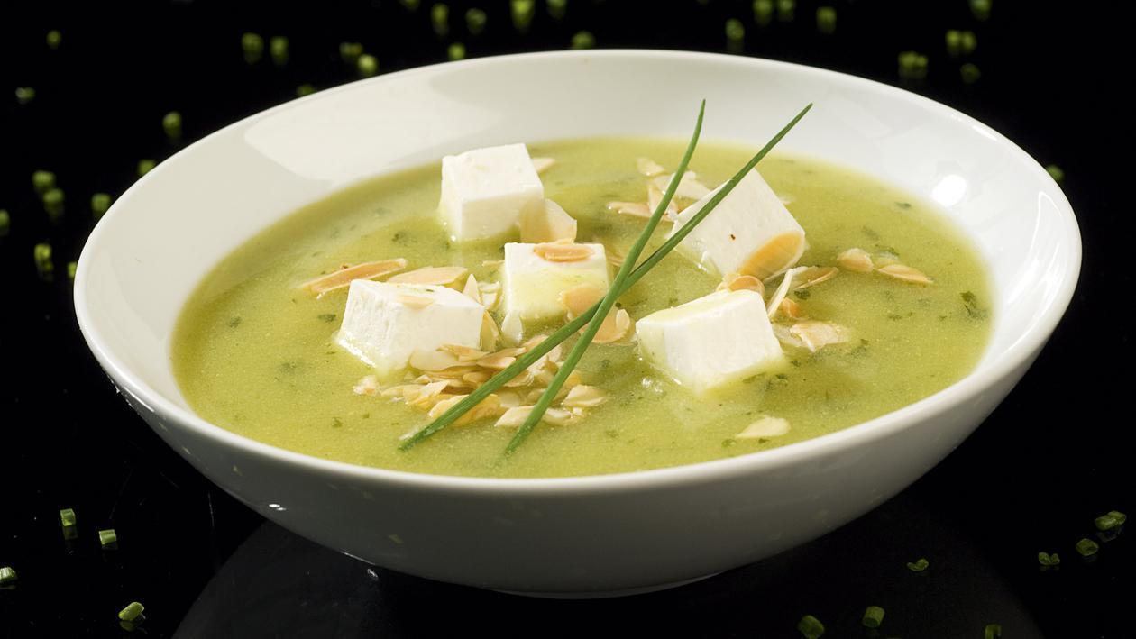 Soupe de Cresson à la Féta et Amandes grillées – Recette