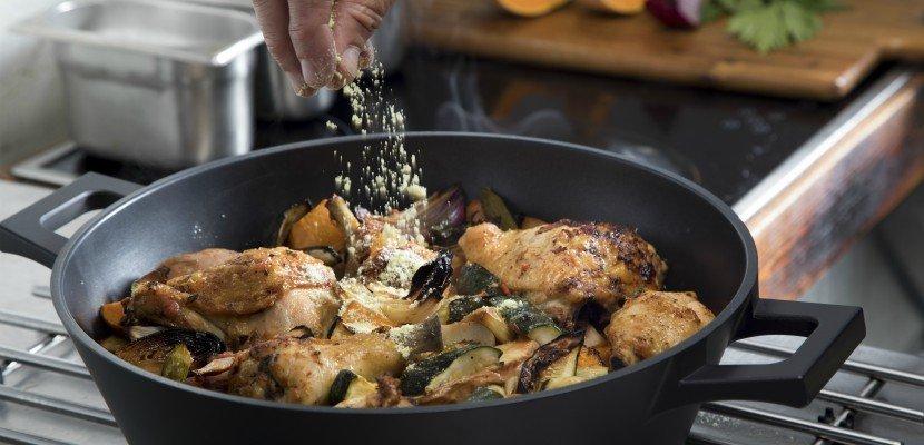 """דגש מרקי תיבול מרק בטעם עוף 100% רכיבים טבעיים קנור שקית 1 ק""""ג - מותאם לדרישות הסועדים שלך מבלי להתפשר על איכות וטעם"""