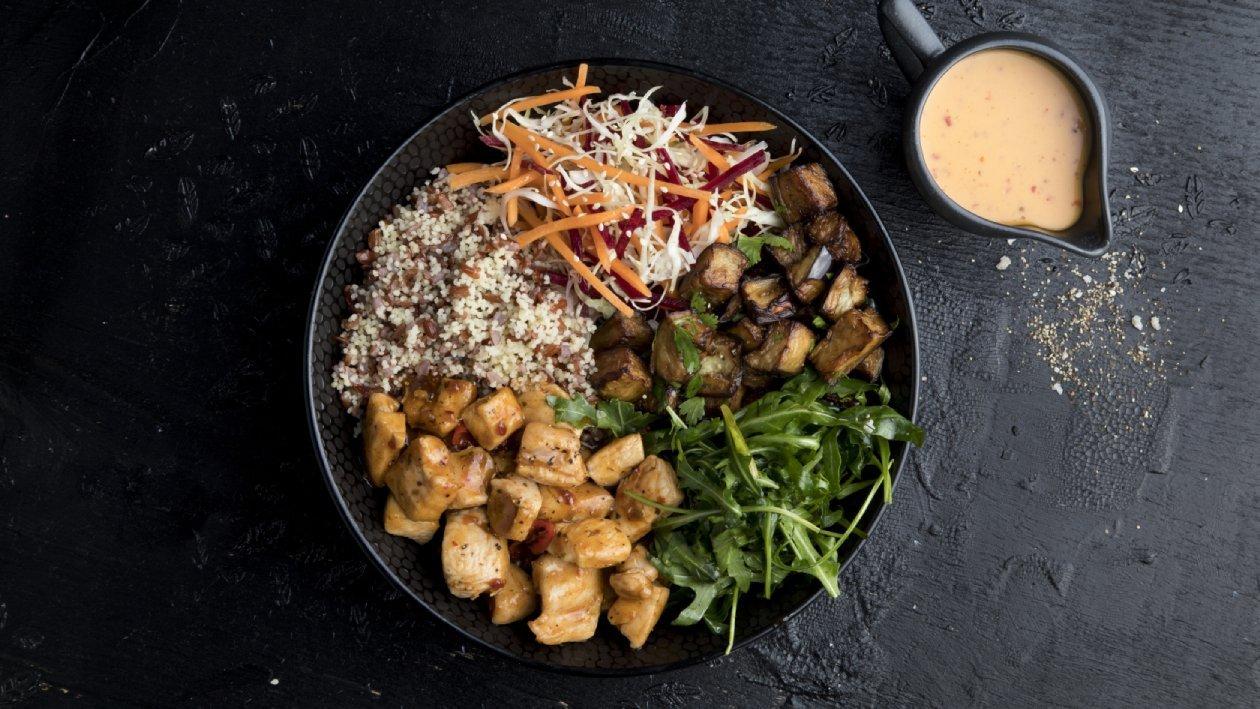 בול ים תיכוני עם קוסקוס דורום, אורז אדום וחצילים – מתכון