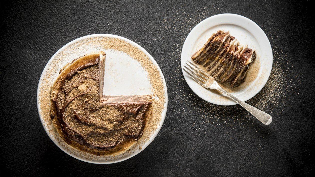 עוגת קרפים, מוס שוקולד ורוטב פסיפלורה – מתכון