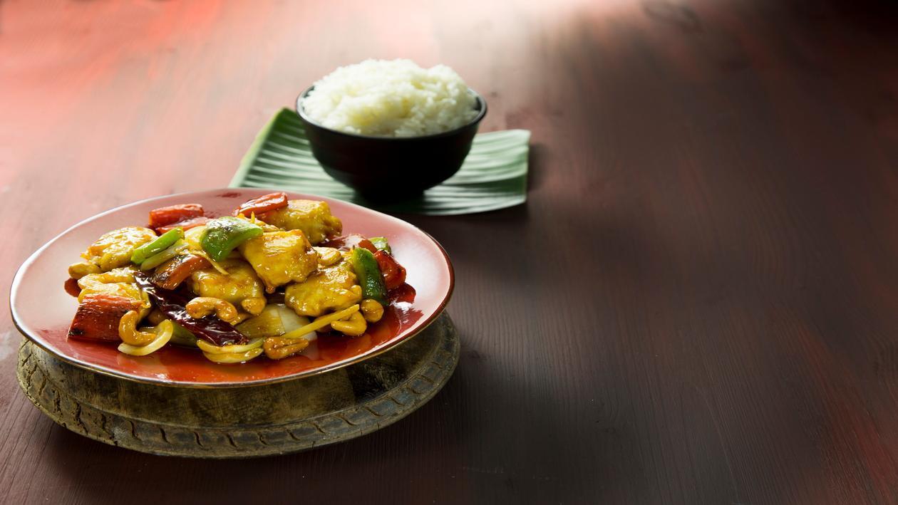 עוף בקשיו וירקות – פוקי בול מתכון להכנת קערת פוקי, מזון רחוב של הוואי אצלכם בצלחת > מתכוני השראה לשפים