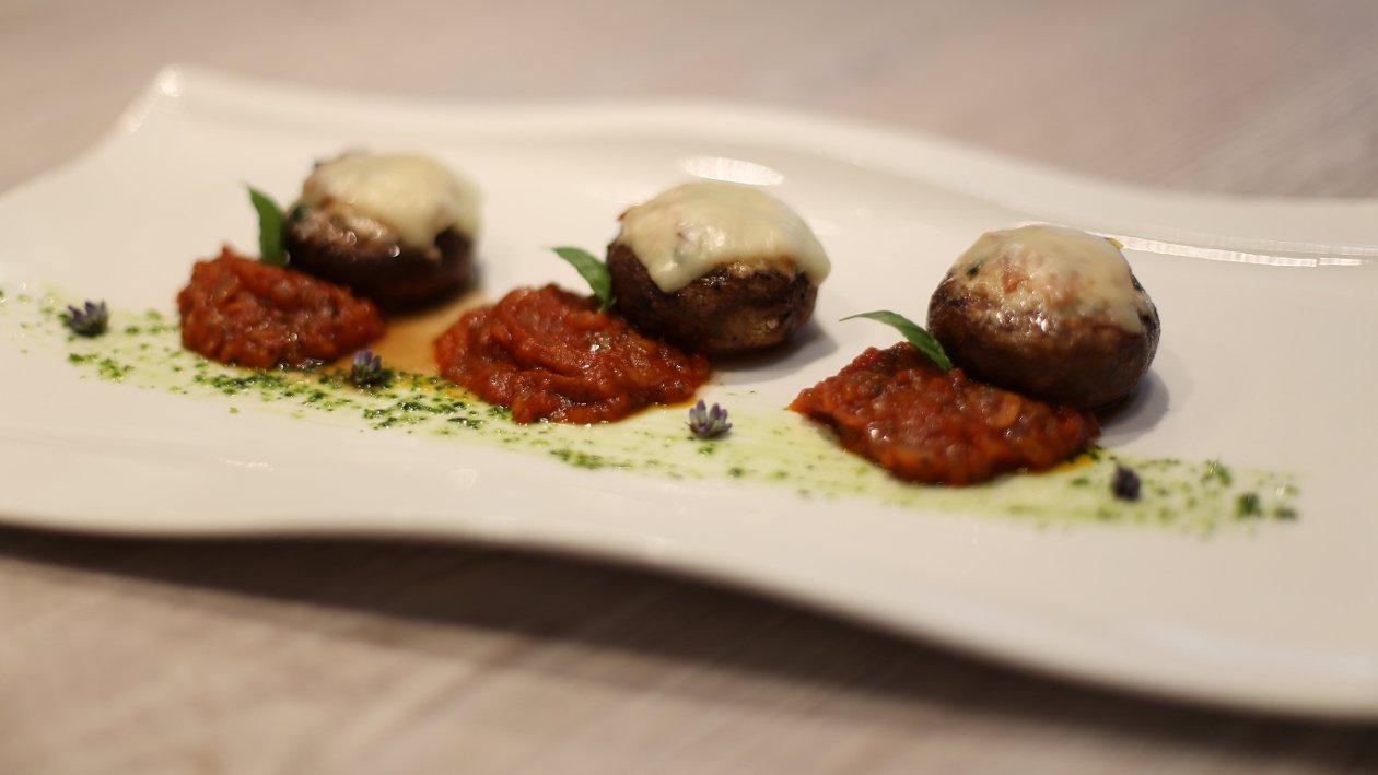 Portobello gljive punjene s puretinom i chilliem