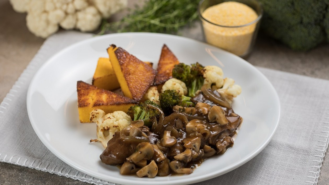 Gombás csirkemájragu sült puliszkával és zöldségekkel (felnőtt)