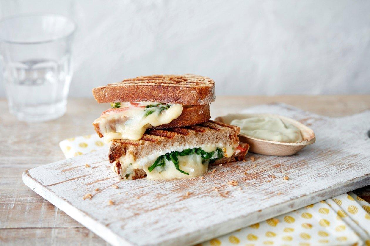Három sajtos toast majonézzel