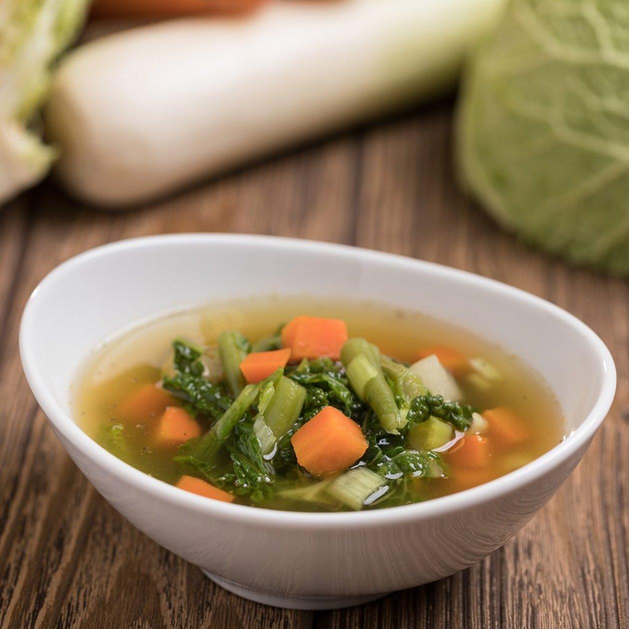 Kelkáposztaleves zöldségekkel (felnőtt, allergénmentes alappal)