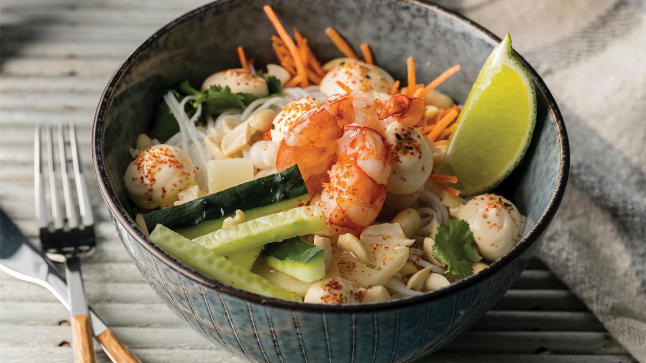 Rizstészta saláta garnélarákkal thai mártással