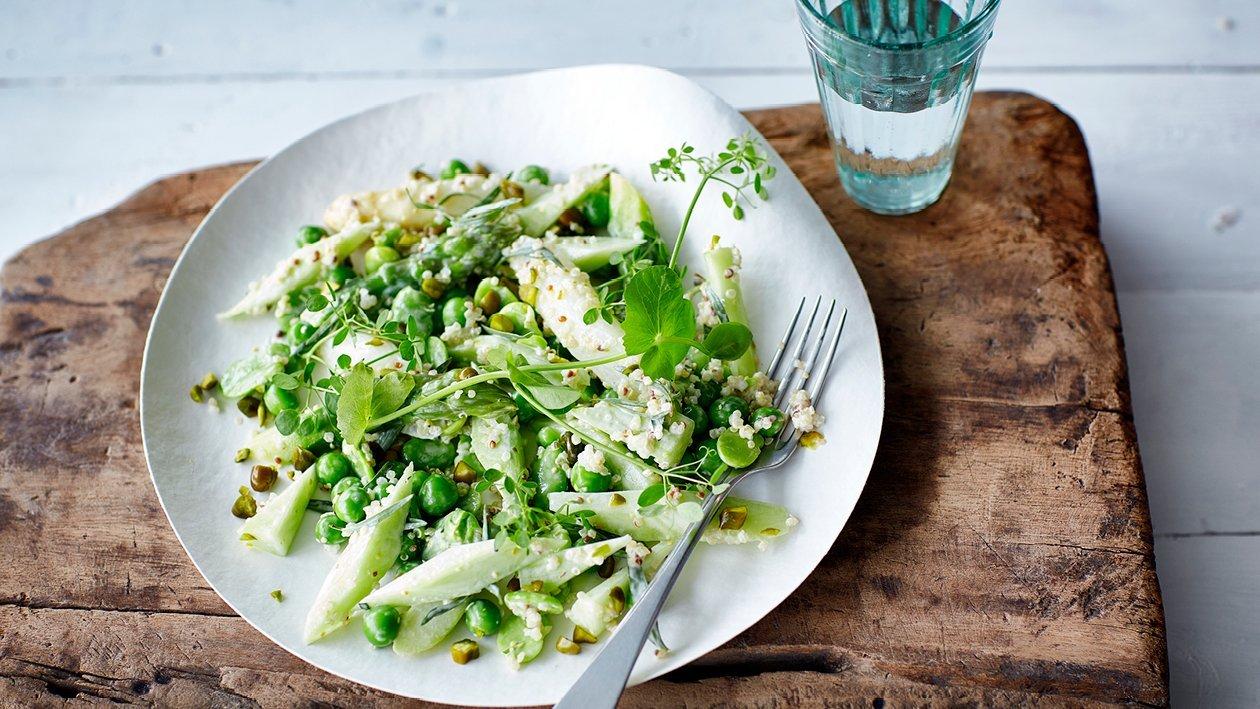 Zelleres zöldborsó saláta