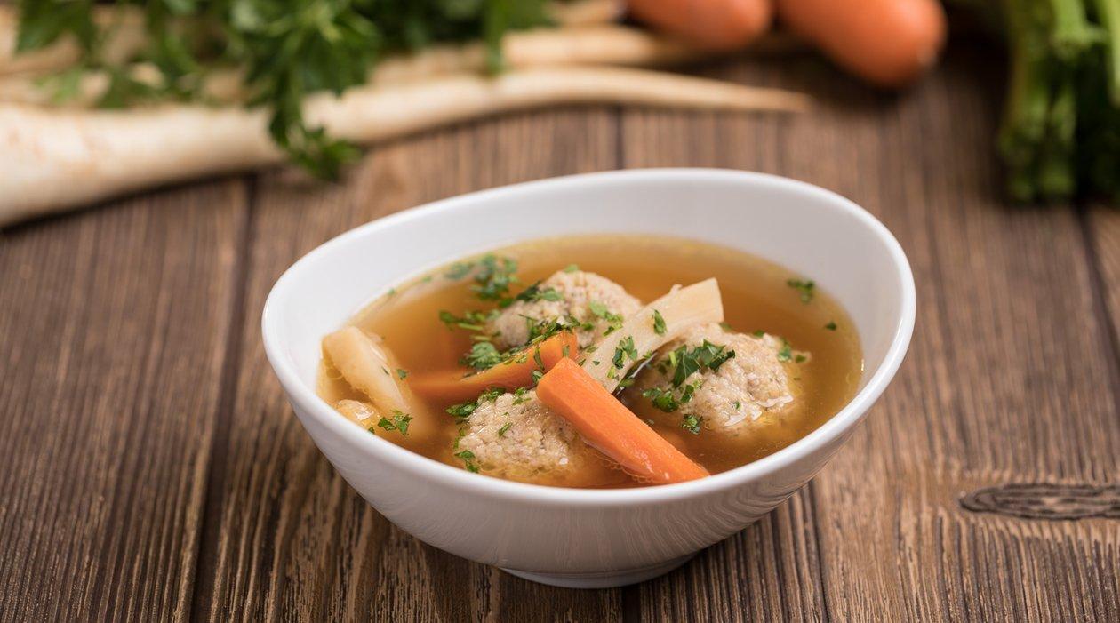 Zöldséges marhahúsleves kölesgombóccal (felnőtt, allergénmentes alappal)