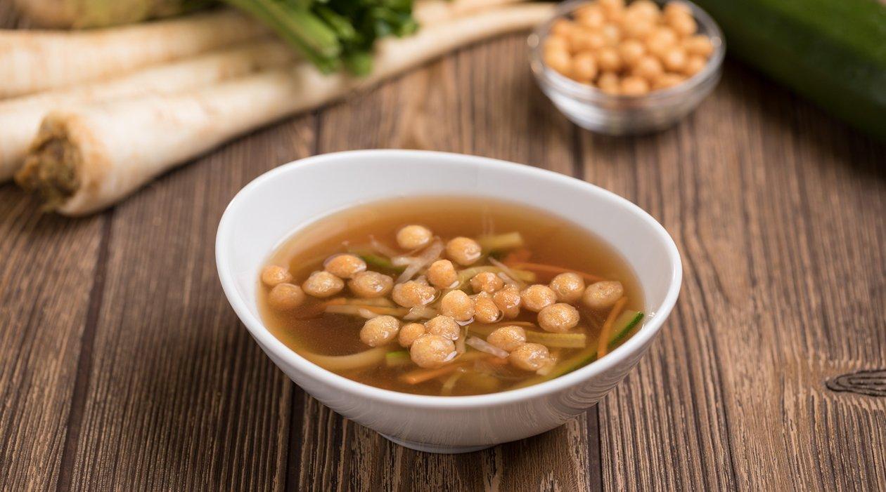 Zöldséges marhahúsleves levesgyönggyel (felnőtt, allergénmentes alappal)