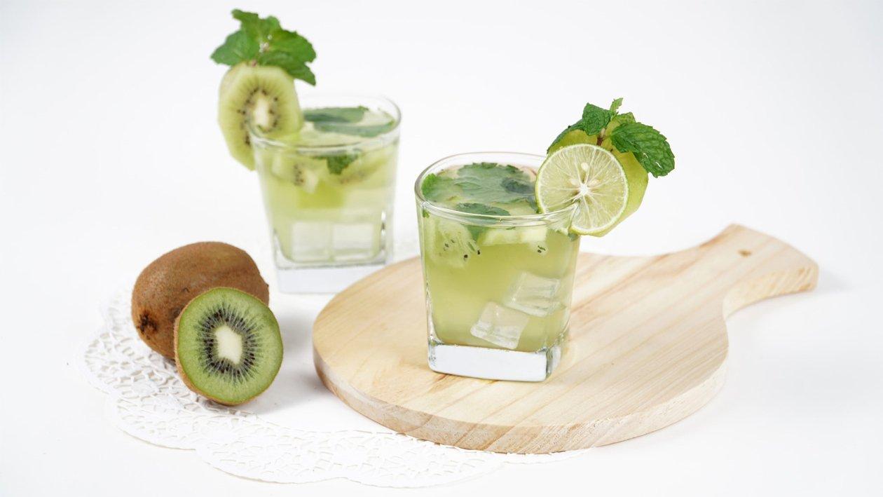 Kiwi Mint Swizzle