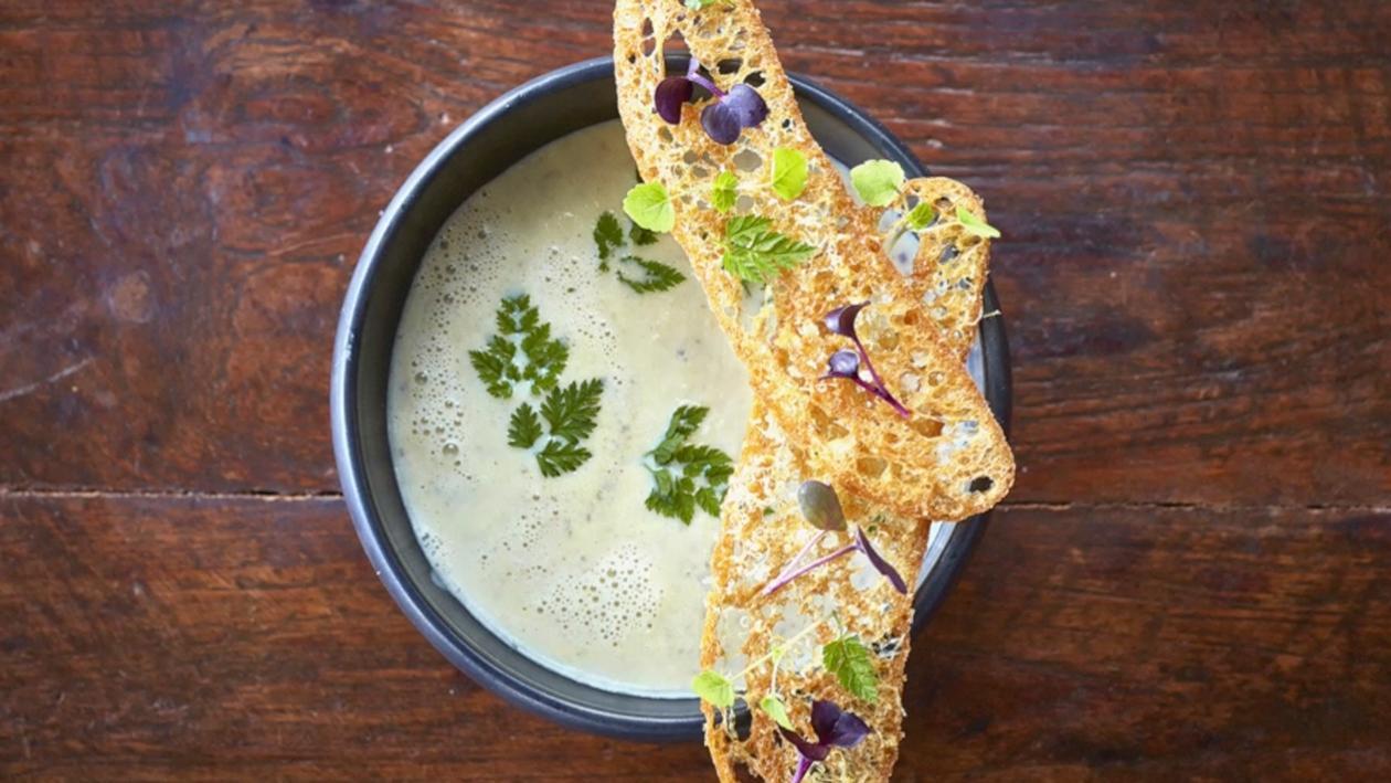Truffle Soup dengan Crostini