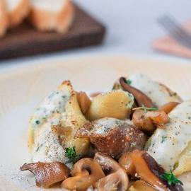 Conchiglioni con ricotta e spinaci con zuppetta e funghi