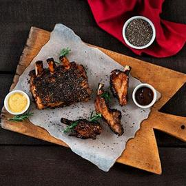 Costine di maiale alla barbecue e semi di chia