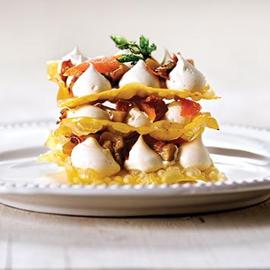Lasagne con funghi porcini, vellutata di provola fumè e speck o pancetta arrotolata