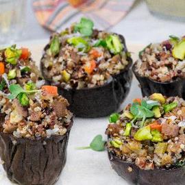 Melanzane ripiene di quinoa e pistacchi