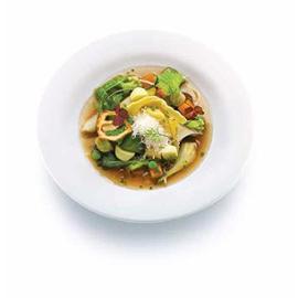 Minestrone con tortelloni di ricotta e spinaci