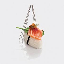 Nigiri di meringhetta al lime con tataki di salmone